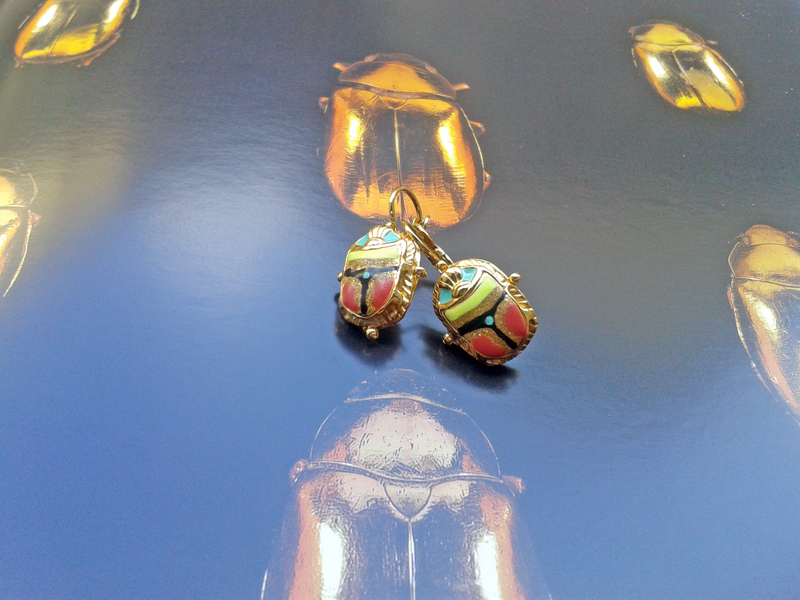 gold-earrings-beetle-gas-by-marie