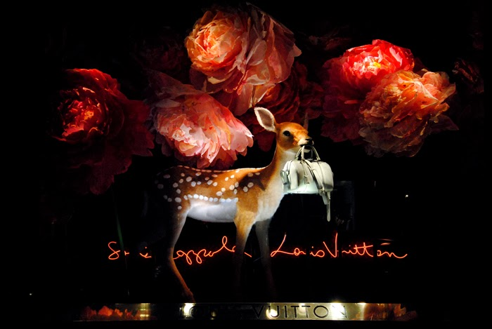 sofia-coppola-louis-vuitton-le-bon-marche-window-deer-rose