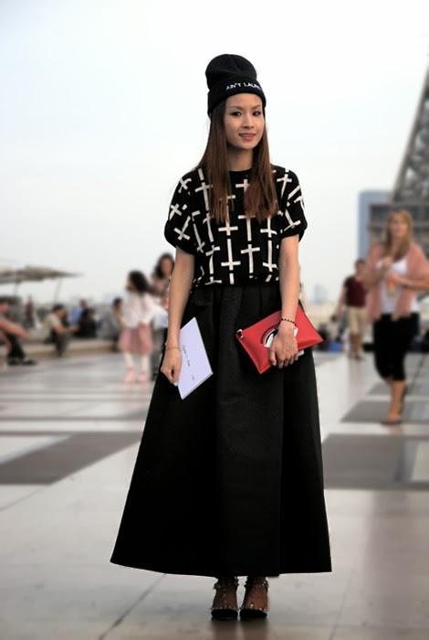 Fashion trend 2017 ss - The Skater Skirt Streetstyle During Paris Fashion Week