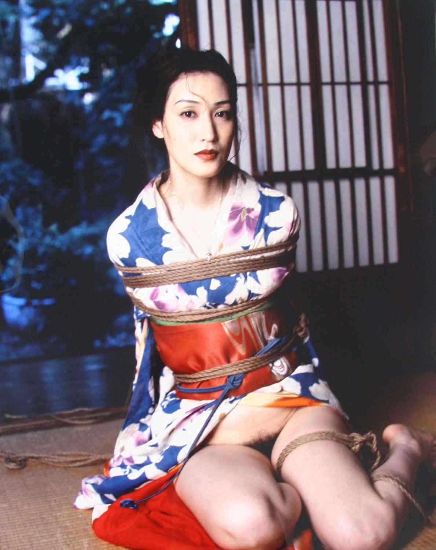 Shino, 2000