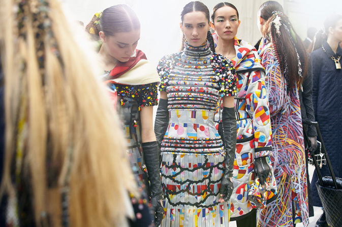 chanel-fall-winter-2014-15-backstage-01