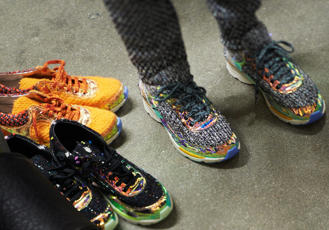 chanel-fall-winter-2014-15-running-shoes-basket