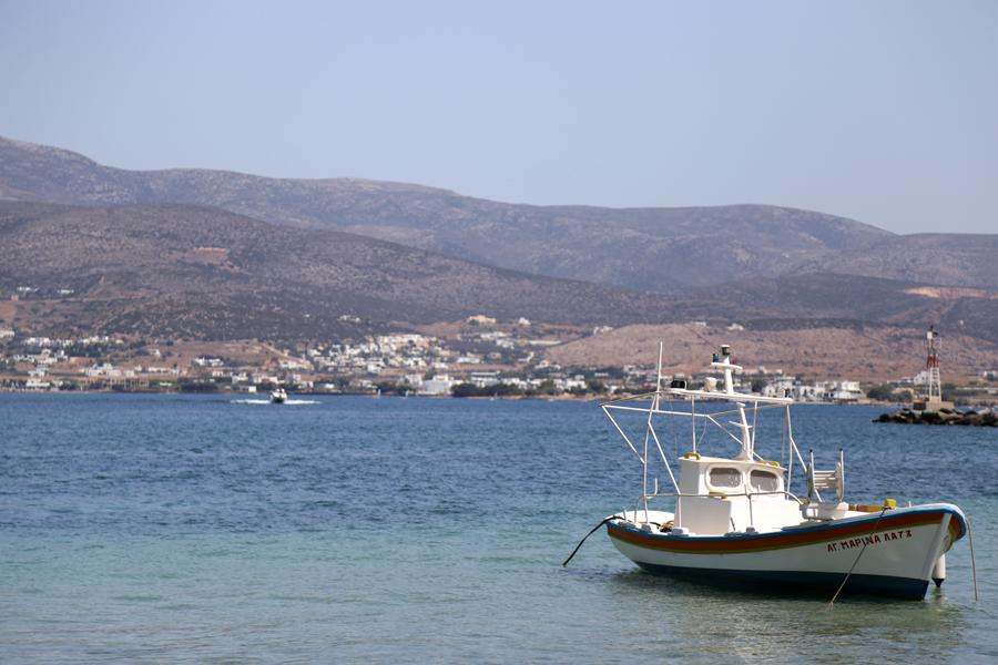 antiparos-port