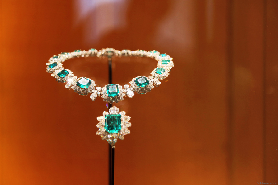 biennale-des-antiquaires-2014-bulgari-necklace-liz-taylor