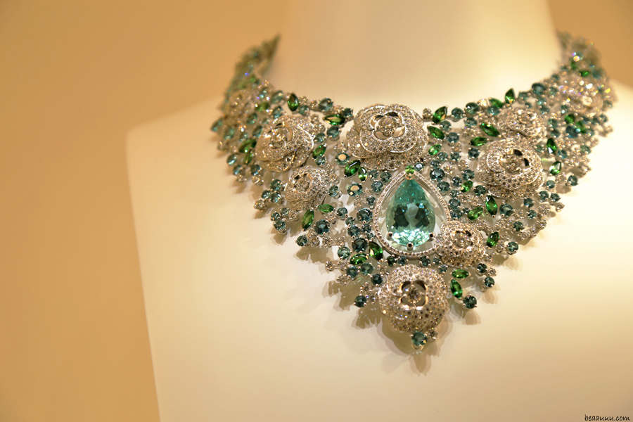 biennale-des-antiquaires-2014-chanel-necklace