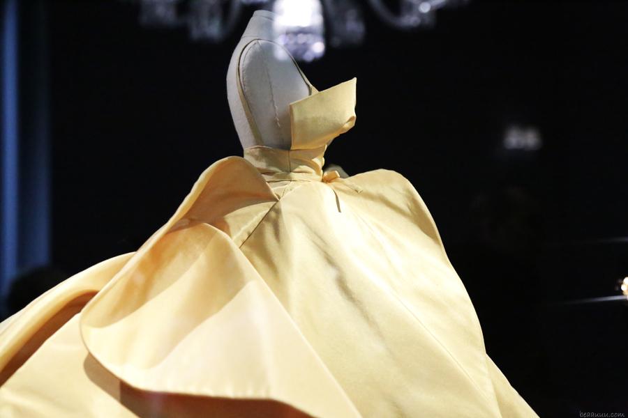 biennale-des-antiquaires-2014-dior-haute-couture-02