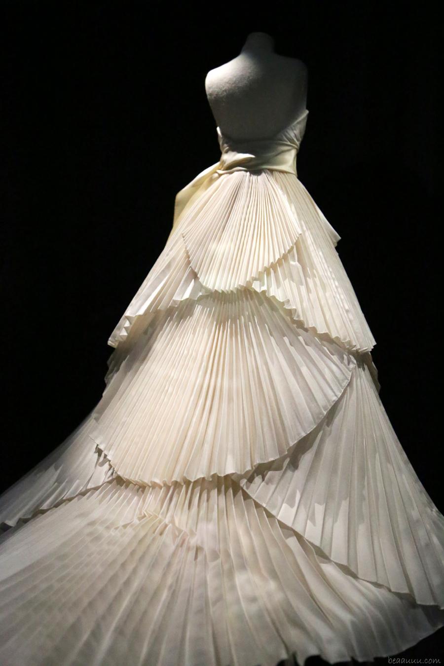 biennale-des-antiquaires-2014-dior-haute-couture-900px