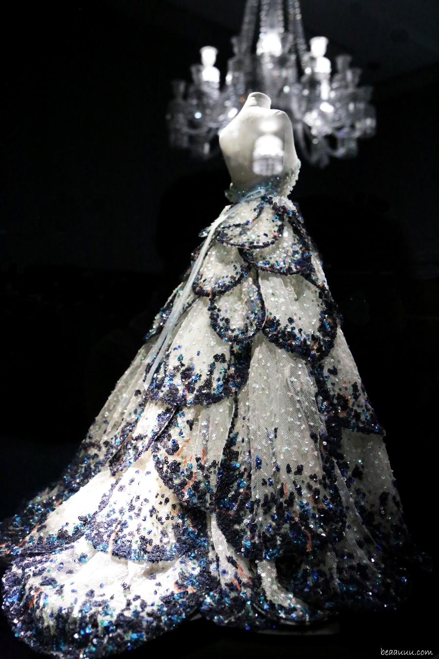 biennale-des-antiquaires-2014-dior-haute-couture-robe-900pix