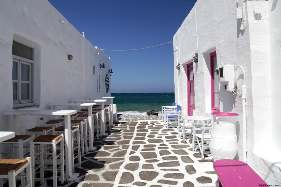 paros-grece-ruelle-sur-la-mer