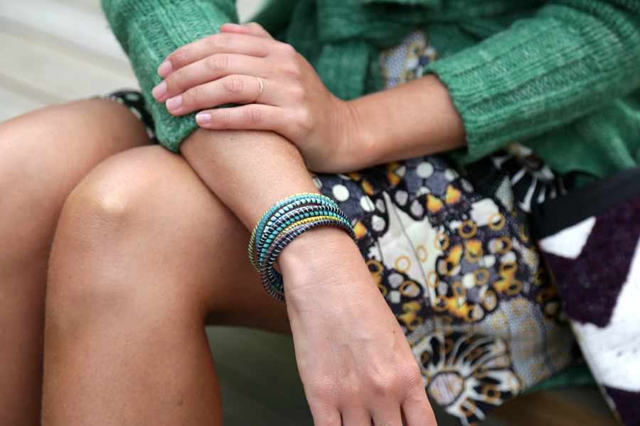 african-bracelet-and-print-02