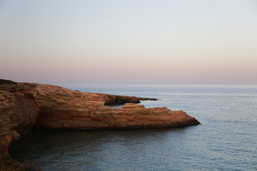 cliff-on-the-sea-koufonissi