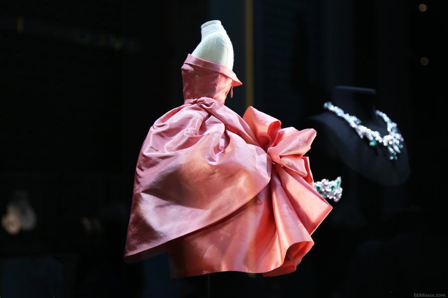 biennale-des-antiquaires-2014-dior-robe-haute-couture