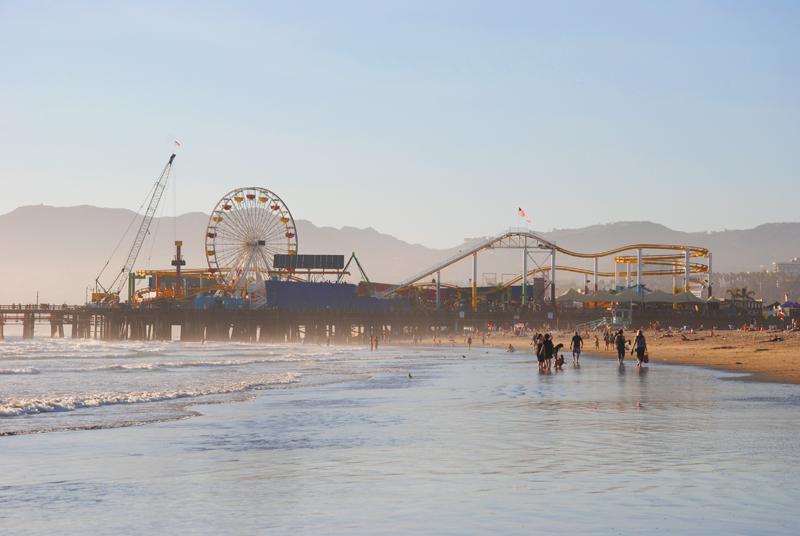 santa-monica-beach-02