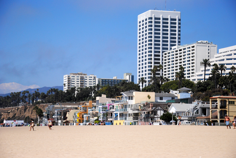 santa-monica-beach-houses