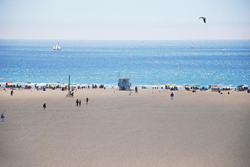 santa-monica-beach-05