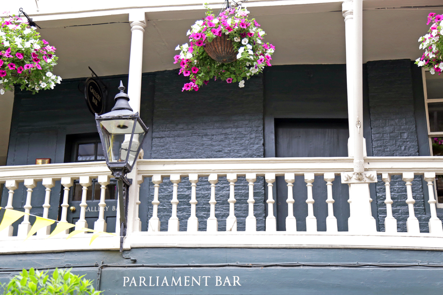 parliament-bar-london-borough