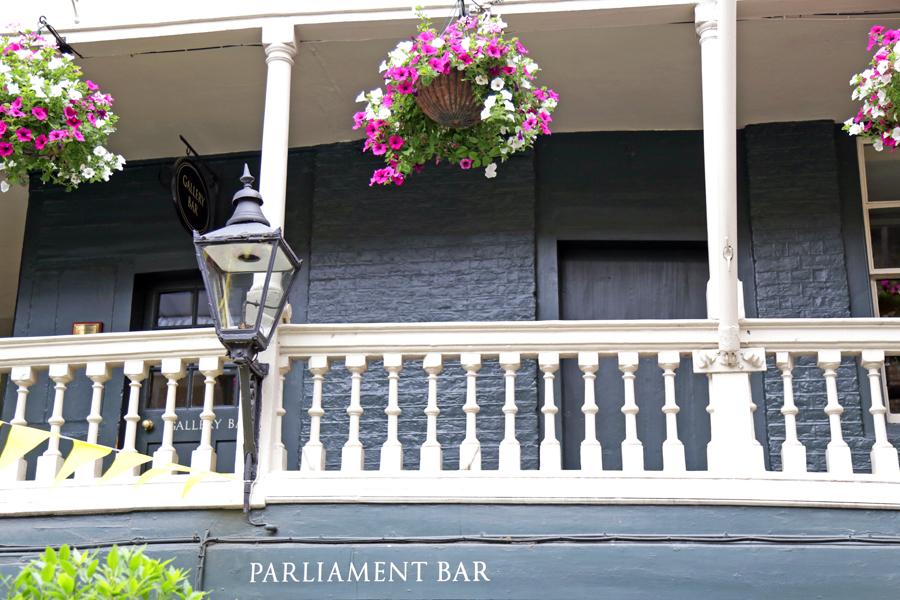 parliament-bar-london-borough