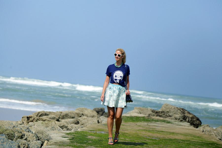 t-shirt-and-gig-skirt