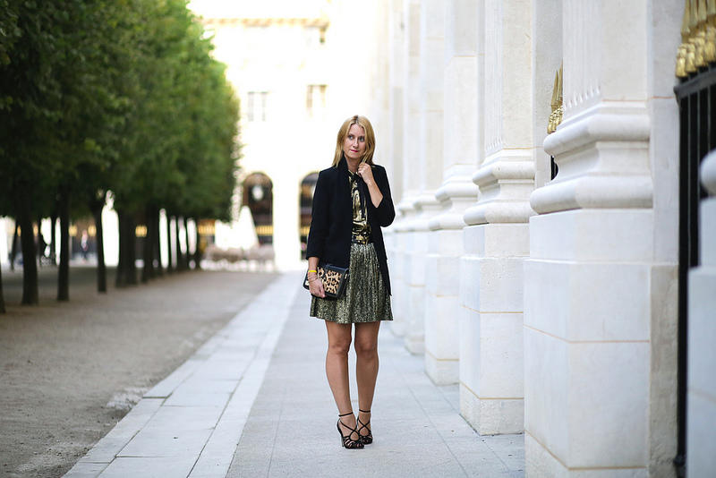 gold-and-brocade-evening-outfit