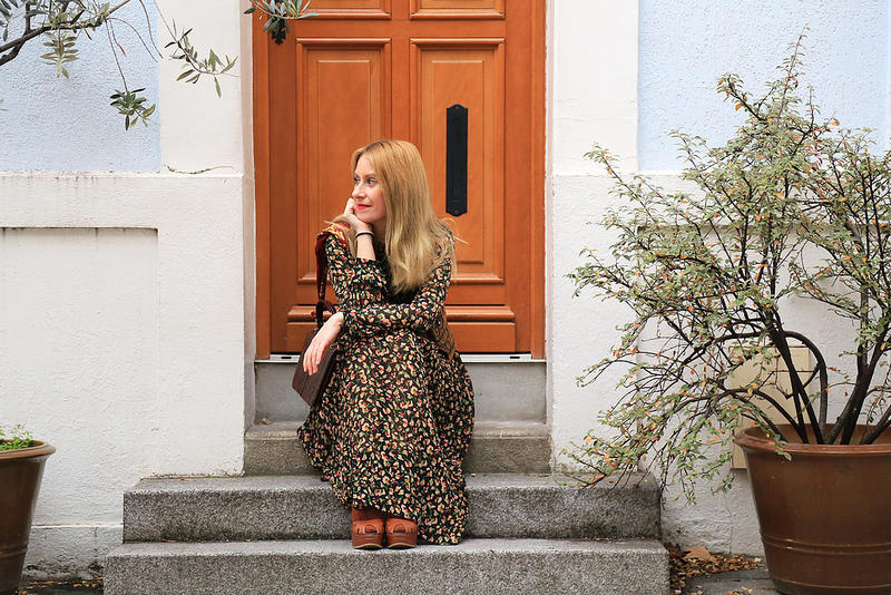 look-boheme-chic-avec-robe-fleurie