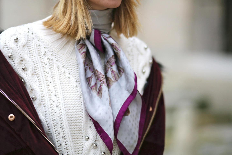 foulard-chanel-vintage-lilas-avec-monogram