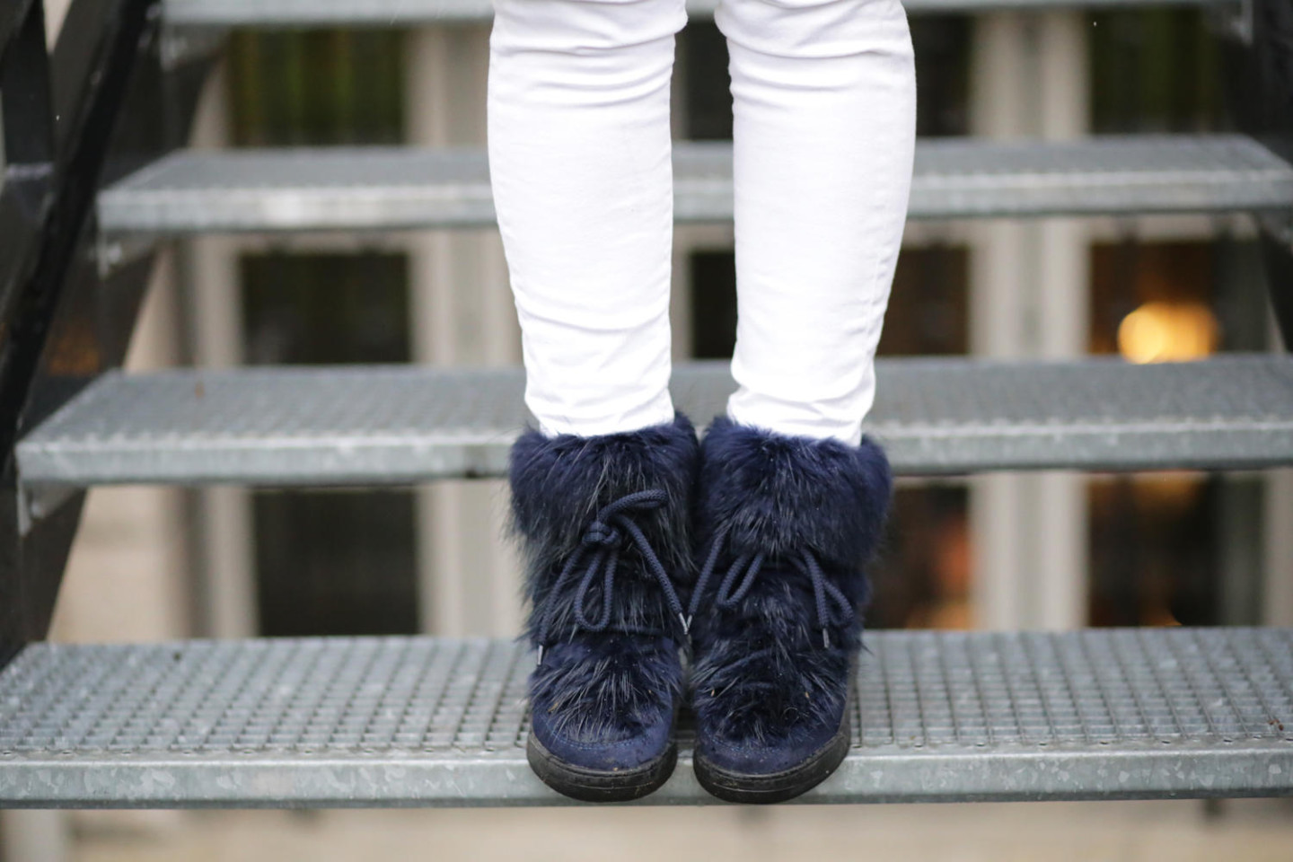 Navy moon boots Serafini woman