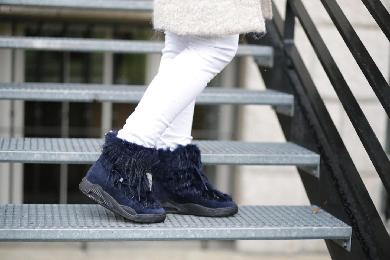 Serafini moon boots navy