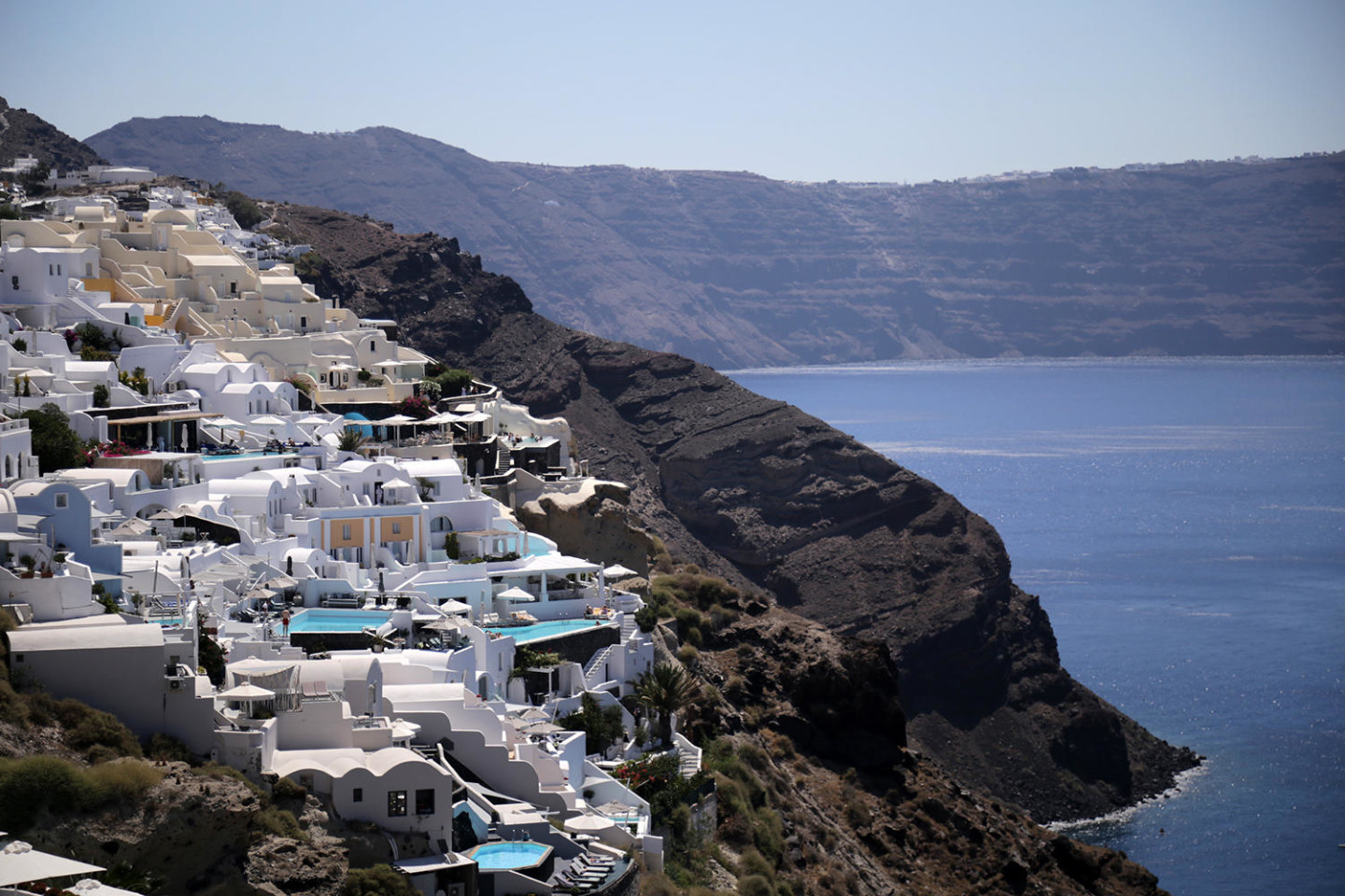 Santorini Travel Guide at Reasonable Prices