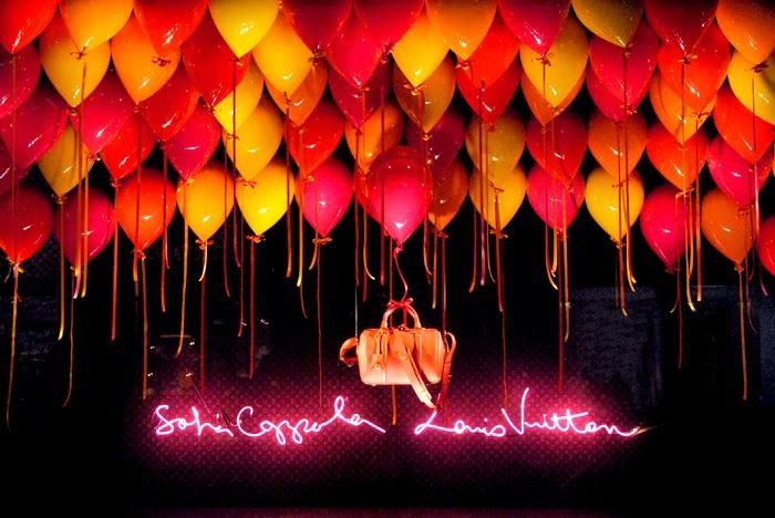 sofia-coppola-louis-vuitton-le-bon-marche-window-balloon