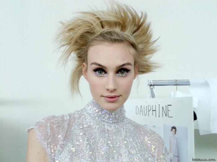 dauphine-mckee-maquillage-chanel-2014-make-up-glitter