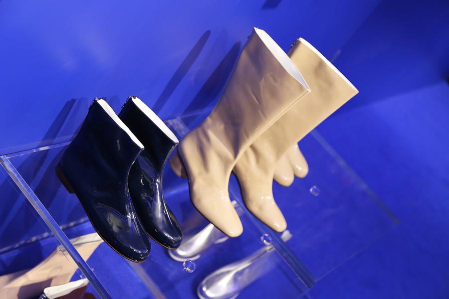 courreges-boots