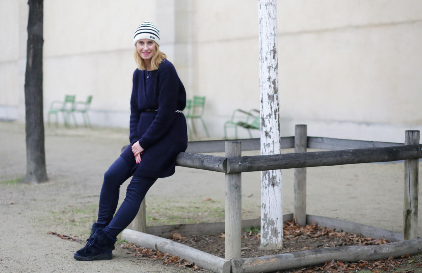 navy-outfit-winter-look-woman